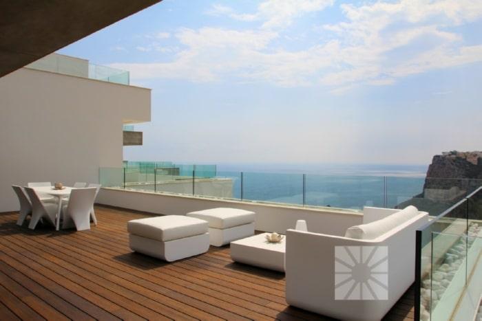 Si estás buscando un apartamento con vistas al mar mira éste vídeo