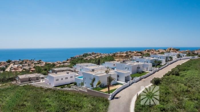 Disfruta de las vistas al mar de Lirios Design