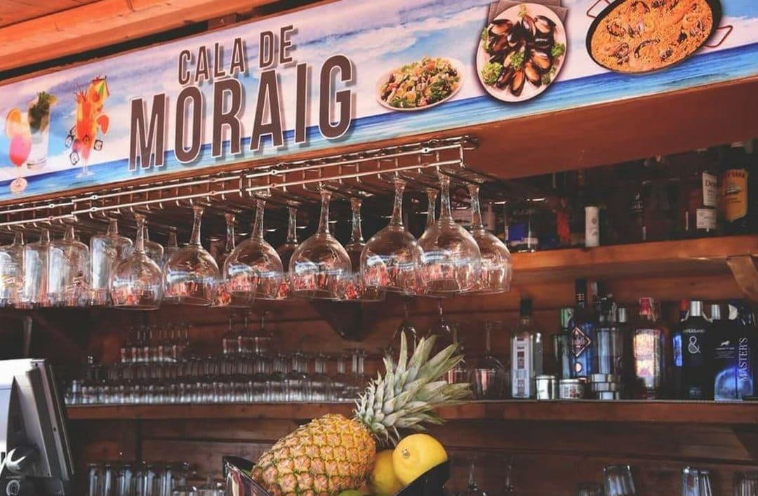 Dégustez la meilleure cuisine méditerranéenne au bar de plage Cala del Moraig