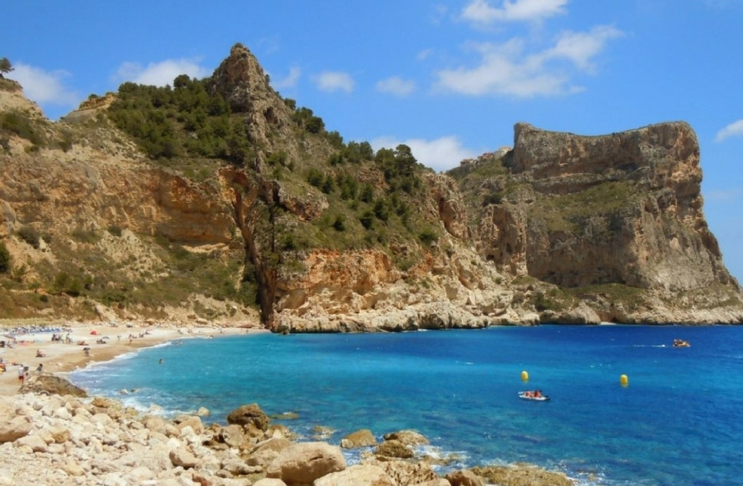 Cala del Moraig, paradise with a Blue Flag
