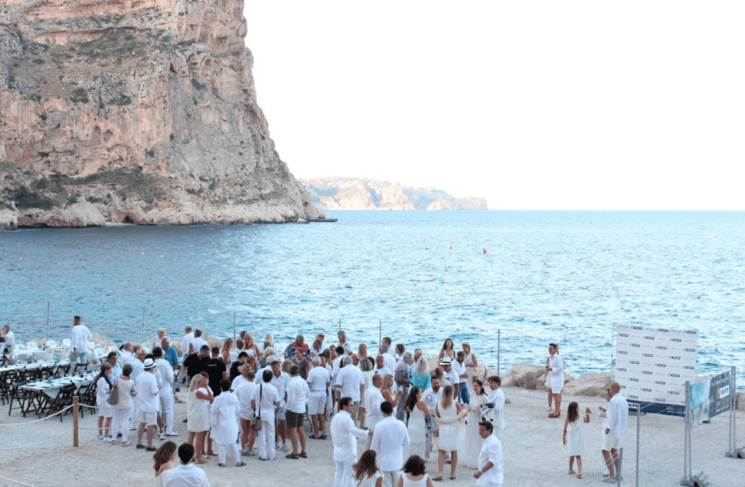 We celebrated the most magical night of the year in Cala del Moraig