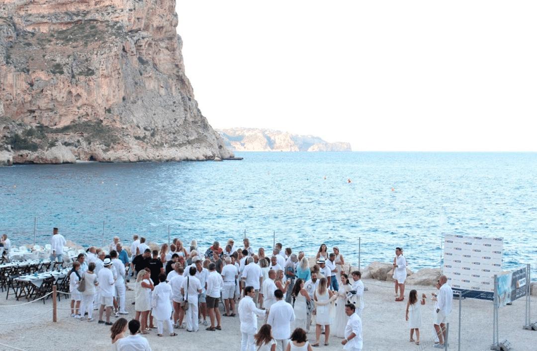 Celebramos la noche más mágica del año en Cala del Moraig