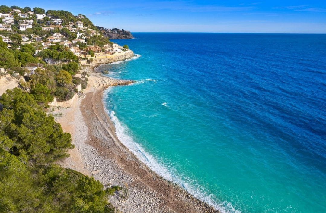 Costa Blanca: a holiday destination to live in