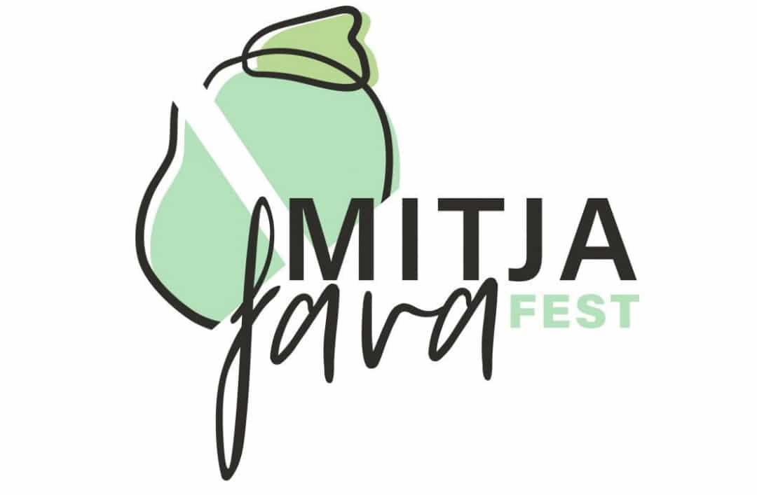 The MitjafavaFest has arrived to Benitatxell!